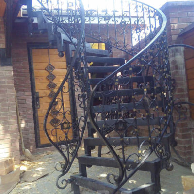 Кованая лестница л 002