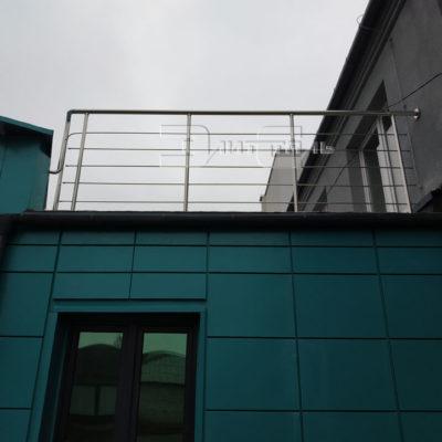 ograzhdenie-balkonov-iz-nerzhavejki-001