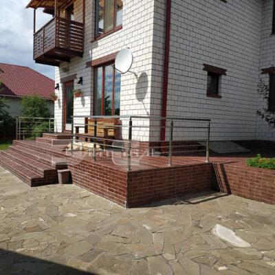 ograzhdenie-terrasy-iz-nerzhaveyushchej-stali-002